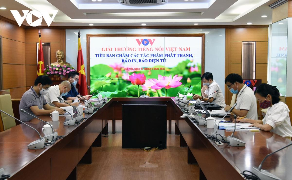 Nhiều tác phẩm dự giải Tiếng nói Việt Nam thể hiện tinh thần cả nước đồng lòng chống dịch